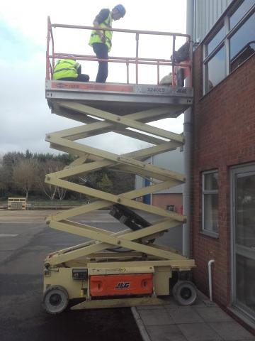 Scissor Lift Hire | Helpful Hirings